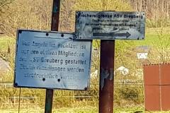 Strecke Breitenbach, Schild am Start der Fischereingrenze an der Mündung der Breitenbach in die Mümling