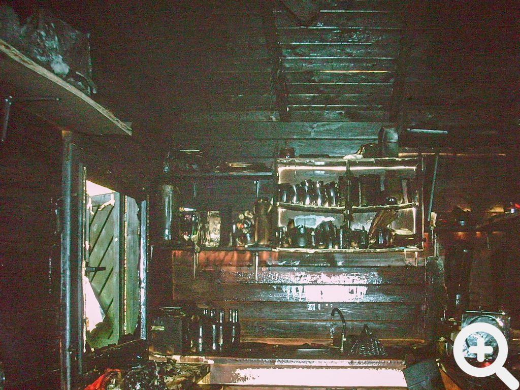 Nicht viel übrig geblieben in der ausgebrannte Gerätehütte