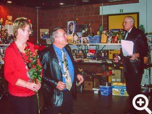 Erstmals fand der Anglerball im Feuerwehrhaus statt. Hier Rosel und Paul Adam bei der Ehrung zum Fischerkönigspaar 2005
