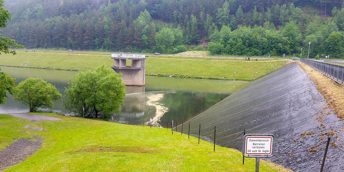 Staumauer vom Marbach Stausee