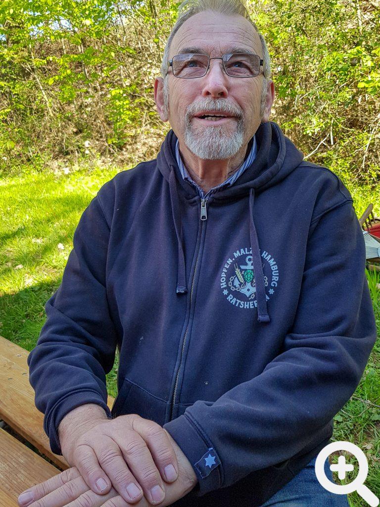 Mitglied Frank Ulrich betreute beim Gästeangeln am 19.04.2019 gern die angereisten Gastangler.